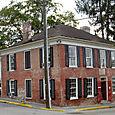 Antiques_brick_house
