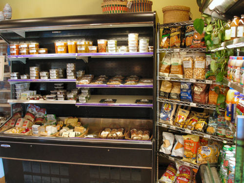 Earthbound Farm Food Stand: Organic Snacks and Deli Items