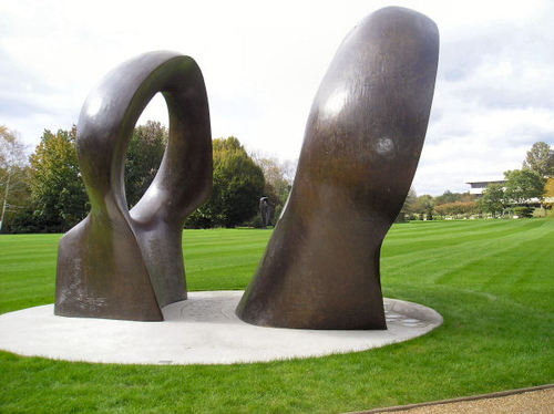 Henry_moore_d_2