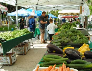 Riverside_farmers_market_2x350w