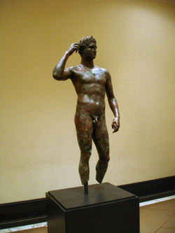 Getty_villa_victorious_youth_027_1a