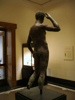 Getty_villa_victorious_youth_032_1a
